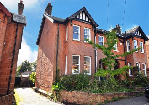3 bedroom Edwardian town house.